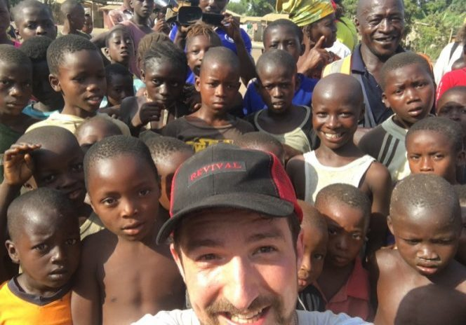 Frank Turner & joie Strummer Foundation return to Sierra Leone